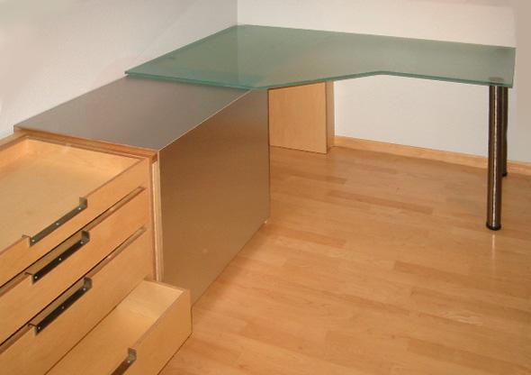 ludwig nied schreibtische schreibtisch aus mattiertem glas. Black Bedroom Furniture Sets. Home Design Ideas